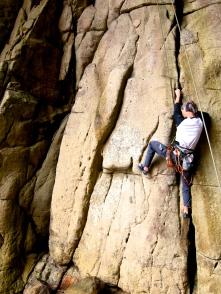 攀爬裂隙,真的要用塞的!第二洞 Crack jamming practice, Second Cave