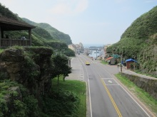 公車站 - 通往基隆,瑞芳,九份,福隆等等 Nearby bus stops with services to Keelung, Ruifang, Jiufen, Fulong etc.